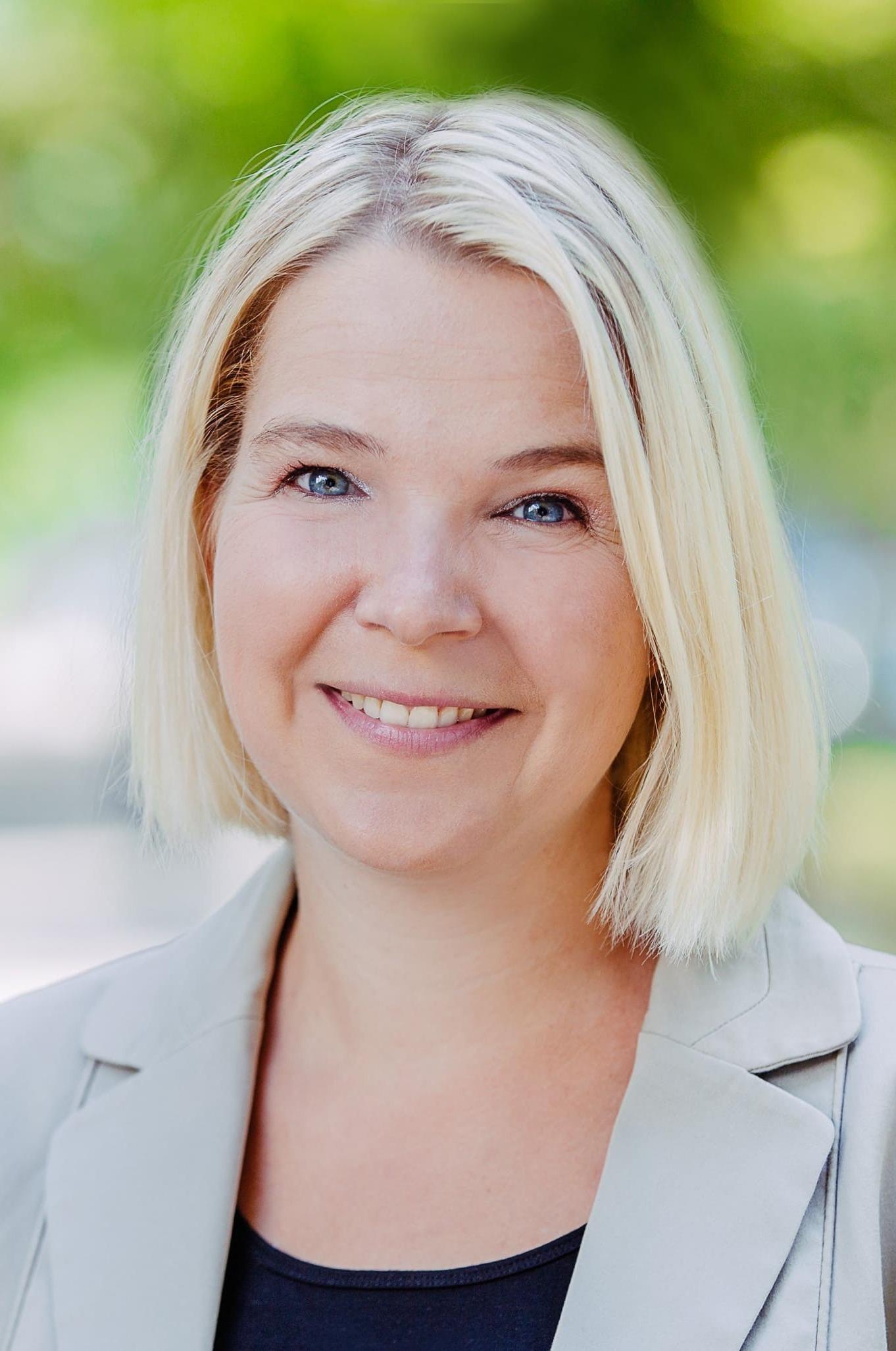 Janina Pernsot